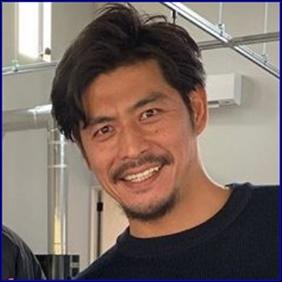坂口憲二 現在 コーヒー焙煎士