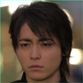 山田孝之は太った?若い頃のカッコイイ顔と大きさを比較してみた!